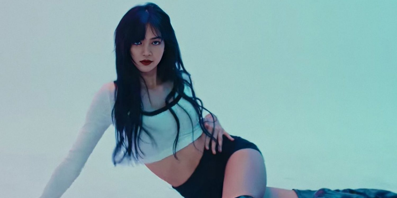 Dress Up Like BlackPink Lisa in LILI's FILM